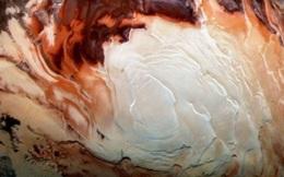 Những gì đang chảy trong ''hồ'' trên Sao Hỏa không phải là nước, mà là đất sét