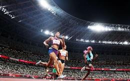 Bà mẹ một con Mỹ đi vào lịch sử với 10 huy chương Olympic