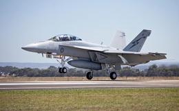 Dù là tiêm kích con cưng của hải quân Mỹ, tương lai của F/A-18 đang rất bấp bênh