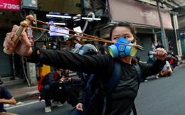24h qua ảnh: Người biểu tình dùng súng cao su bắn cảnh sát Thái Lan