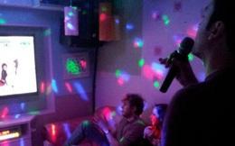 Hiệu trưởng, hiệu phó cùng 2 giáo viên vào quán karaoke, vi phạm biện pháp chống dịch