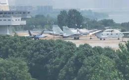 Trung Quốc biên chế tiêm kích mới trên tàu sân bay?