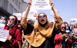 """Phát ngôn """"dậy sóng"""" của Taliban"""