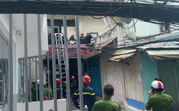 Cháy nhà trong hẻm ở Sài Gòn, nhiều người được giải cứu