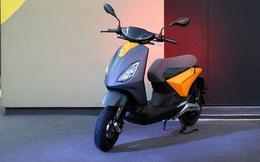 """Xe máy điện mới đấu Vinfast Klara đẹp long lanh, cả """"lố"""" công nghệ, đi 100km khi sạc đầy"""