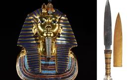 Một thanh kiếm 3.300 tuổi nằm cạnh pharaoh Ai Cập, nhóm khảo cổ 'chết lặng' sau khi rút 'bảo đao' khỏi vị trí cũ