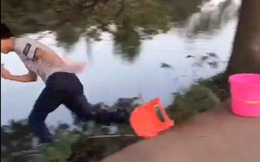 Đang ngồi câu cá thì bị 1 thứ rơi trúng người, nam thanh niên sợ hãi lao thẳng xuống sông