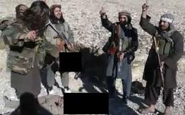Rò rỉ clip ghê rợn: Taliban chặt đầu binh sĩ Afghanistan, giơ thủ cấp nạn nhân ăn mừng