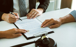 """Bị đòi kê khai tài sản vì nghi ngờ giấu giếm, người chồng có cách xử lý khiến luật sư """"khóc thét"""" xin dừng lại"""
