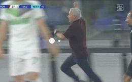 Mourinho ăn mừng như 1 đứa trẻ ở trận đấu thứ 1000