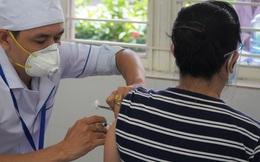 GS Nguyễn Văn Tuấn: 5 yếu tố khiến người tiêm đủ 2 liều vaccine vẫn có thể mắc Covid-19