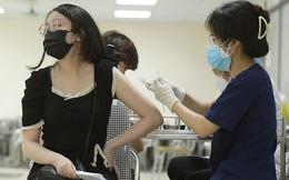 GĐ Trung tâm Y tế bị đình chỉ vụ tiêm vắc xin cho bé 13 tuổi: 'Vì lo lắng cho sức khỏe của con em cán bộ chống dịch'