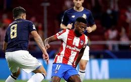 Griezmann lại gây thất vọng, Atletico thoát thua nhờ VAR