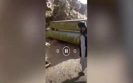Video: Taliban phát hiện vũ khí có thể gắn đầu đạn hạt nhân của phe kháng chiến