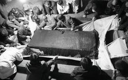 Vừa tìm thấy quan tài trong mộ cổ thời Tây Hán, chuyên gia ra lệnh khẩn cấp: Không ai được mở miệng!