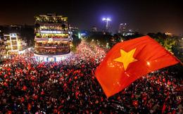 Nhà báo nổi tiếng châu Á tin vào tuyển Việt Nam, trầm trồ trước sự cuồng nhiệt của fan Việt