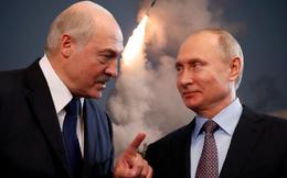 """TT Putin tặng Belarus món quà bất ngờ, NATO như gặp ác mộng: """"Cú vặn sườn"""" kinh điển!"""
