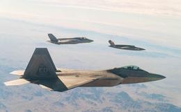 Tiêm kích F-22 đấu với F-35