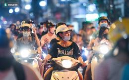 Dòng xe đông như 'hội' nối đuôi nhau trên nhiều tuyến phố trung tâm thủ đô đêm Trung thu