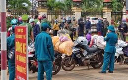 Hơn 120 người đi xe máy từ Bình Phước về quê Nghệ An phải tạm dừng ở Đắk Nông