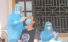 Ho sốt mua thuốc uống không khỏi, đến bệnh viện khám phát hiện nhiễm SARS-CoV-2