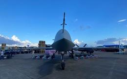 """Soi UAV trinh sát-tấn công tầm xa mới của Trung Quốc: Thiết kế để """"địch"""" thoả sức bắn rơi?"""
