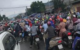 Công nhân Hà Nội sang Hoà Bình bị ùn ứ ở chốt kiểm soát