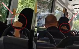"""Ngồi trên xe buýt thấy có người chạm vào tóc mình, quay lại nhìn, người phụ nữ """"buồn nôn"""" trước hành động của kẻ ngồi sau"""