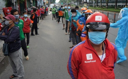 Phương án hỗ trợ người lao động để mở cửa lại kinh tế và chuỗi cung ứng của TP.HCM