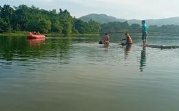 Lật nhà bè ở Thanh Hoá, 7 người bơi được vào bờ, 2 người đuối nước