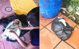 Bé gái còn nguyên dây rốn bị bỏ rơi trong túi ni lông đen bên cạnh thùng rác