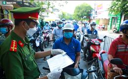 MỚI NHẤT: Hà Nội tiếp tục sử dụng giấy đi đường theo mẫu cũ