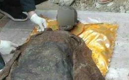 """Mộ cổ của """"Bao Thanh Thiên"""" thời nhà Minh được tìm thấy, bật nắp quan tài, thi thể liền chuyển màu đen: Ai cũng sửng sốt!"""