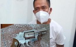 Đối tượng 4 tiền án mang theo súng thông chốt lên cầu Nhật Tân