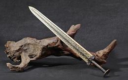 Giải mã những vòng tròn đồng tâm trên thanh kiếm của Việt Vương Câu Tiễn, chuyên gia kết luận: Người xưa quá phi phàm!