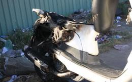 Cô gái hoảng loạn vì xe máy đang chạy bốc cháy dữ dội