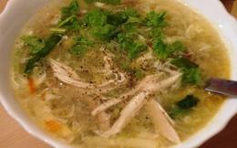 Khi bị cúm chớ quên súp gà, cháo tía tô