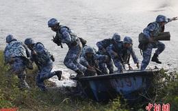 Thủy quân lục chiến hạm đội Nam Hải diễn tập đột kích chiếm đảo