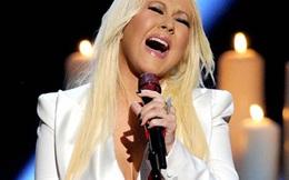 Christina Aguilera khóc trên sân khấu People's Choice