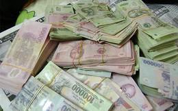 Đổi tiền tỷ lấy rác bẩn, nhân viên bán đứng ngân hàng