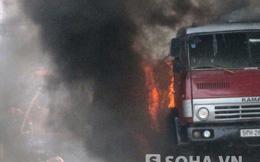 TP.HCM: Xe bồn chở xăng dầu bốc cháy ngùn ngụt trên đường