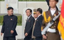 """Chú của Kim Jong Un phải  """"viết thư xin lỗi cháu mỗi ngày"""""""