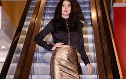 Huyền Thư, Thư Huyền diễn catwalk ở thang máy