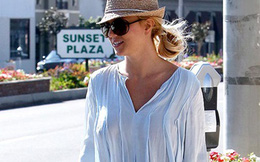 Britney Spears lại thả rông ngực đi mua sắm