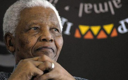 Cựu Tổng thống Nelson Mandela nhập viện