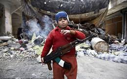 Hình ảnh gây sốc về chiến binh 7 tuổi ở Syria