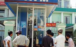 """Chủ nhật: Hàng loạt cây ATM bỗng dưng """"nghỉ"""""""