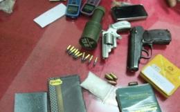 """Trùm ma túy định """"tử thủ"""" bằng súng và lựu đạn"""