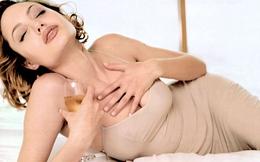 20 khoảnh khắc bốc lửa nhất của A.Jolie