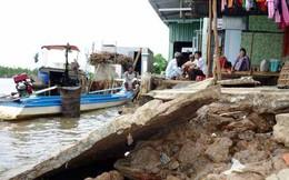 Lở đất làm hư hại 6 căn nhà ở Cà Mau